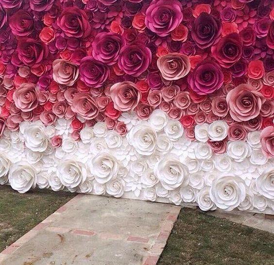 Фотозона из бумажных цветов 5